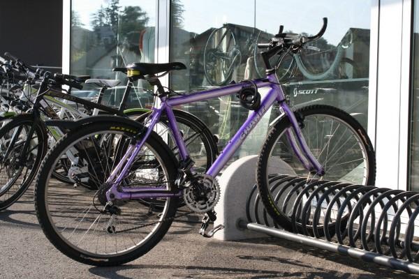 Oui, souvenez-vous, le violet était bel et bien tendance dans les années '90.